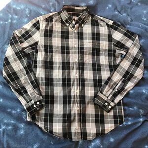 Black and gray plaid long sleeve button up shirt